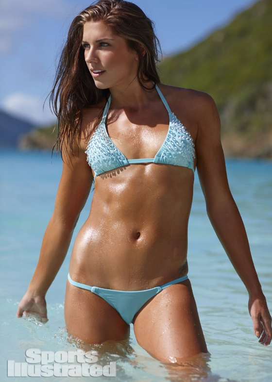 alex-morgan-in-sports-illustrated-2014-swimsuit-issue_1