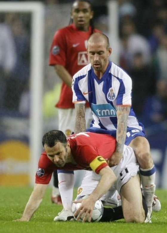 raul-meireles-ryan-giggs-doggy-style